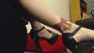 Giantess Bit of crumpet wears High Heels to Tease Little Man