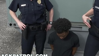 BLACK PATROL - Thug Runs From Cops, Gets Caught: My Dick Is Up, Don'_t Shoot!
