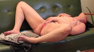 Brunette Yanks Babe Lexus Cums and Cums